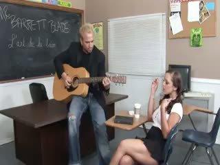 Zene tanár fucks -val dögös 19yo tini
