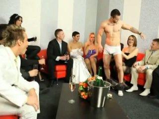 그룹 섹스, 양성애자, 하드 코어