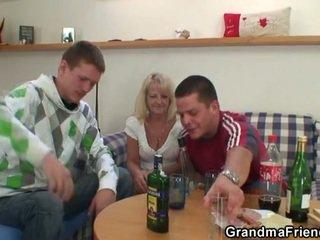 dronken, grootmoeder, viertal