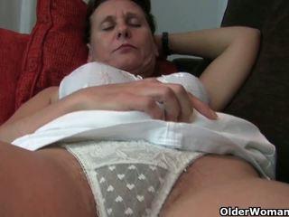 סבתא עם שיערי כוס ו - armpits needs relief