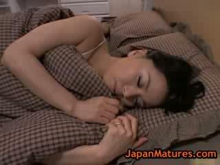 Зріла великий синиця miki sato мастурбує на ліжко 8 по japanmatures