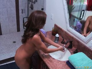 Sexy Milf Receives Fucked In The Kitchen