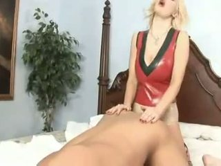 Kinky momen jag skulle vilja knulla brittany andrews fucks henne mans röv med henne enormt starp på