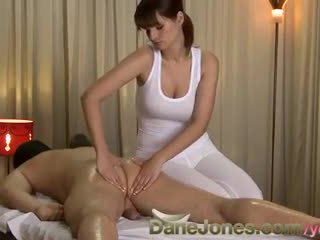 Danejones dhuwur definisi sexy pijet from cute hot brunette woman