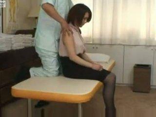 Japán diáklány gets szar által neki massager