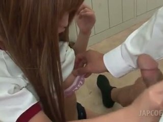 アジアの 角質 学校 女の子 giving ホット ティッツジョブ で 教室