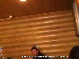 Studenten kycklingar remsan och få gänget banged video-