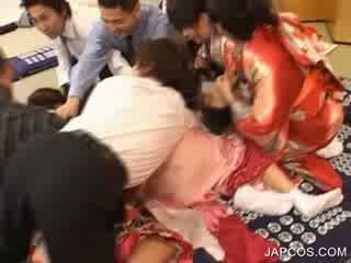 Kuliste geisha gets ağız fingered