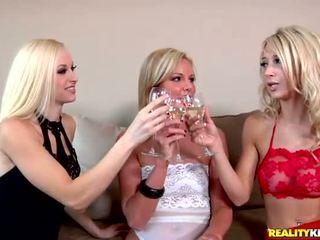 blondes, kissing, girl on girl