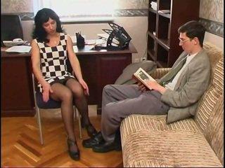 Uzun legged silikon göğüsler nemfomanyak içinde çorap ve bir guy