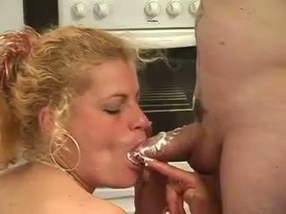 Blonde Mom Fucked In Kitchen In Hot Amateur Mature Sex