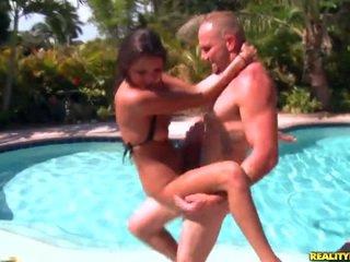 Jung erin stein gets banged von die pool