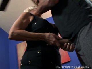বিশাল boobie নানী vikki vaughn likes coarse বিশাল বাড়া যৌন