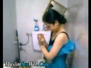 Єгиптянка gf fingered в туалет