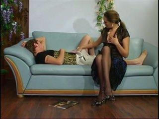 רוסי בוגר דודה עם צעיר נער.