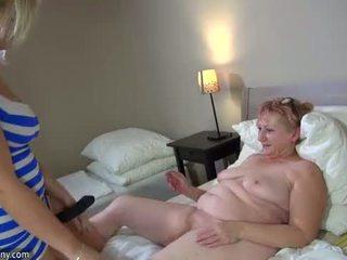 Oldnanny nóng step-mom đồng tính nữ quái với strapon
