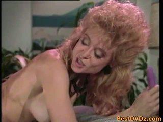 Retro lesbijki licking ich ciasne puss