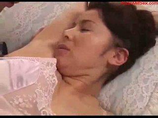 חזה גדול אמא שאני אוהב לדפוק עם tied arms licked fingered stimualted עם ל
