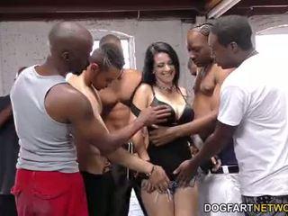Katrina jade sucks multe negru cocks