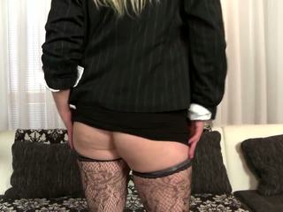 Posh Busty Mom Fucks Her Young Son's Best Friend: Porn 03