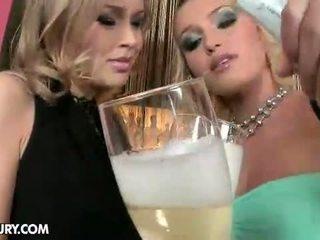 online lesbo, more lezzy you, lez hq