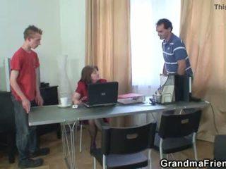三人行 办公室 他妈的 同 奶奶 <span class=duration>- 6 min</span>