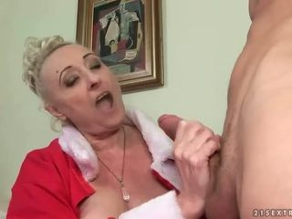 Young man fucks hot busty granny