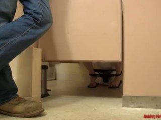 "Bathroom Bangin (Modern Taboo Family) <span class=""duration"">- 17 min</span>"