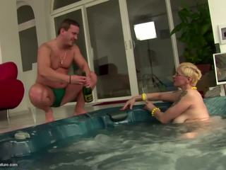 Ugly Mature Slut Mom Drinks Pee and gets Anal: Free Porn 11