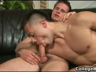 College hunks Paulie Vauss and Brody