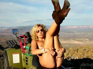Kiara diane goes ใน the mountain และ masturbates บน เธอ 4x4