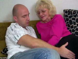 Oldnanny ישן סבתא הוא מאוד מאוד חרמן ו - רטוב