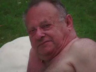 Тийн любовница masturbates докато чукане стар изневяра guy takes празнене видео