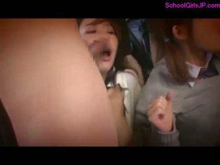 2 schoolgirls rapped fingered sunnitud kuni s .