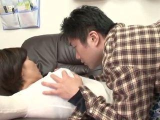 Beat japonez mamă gets abuz de ei baiat