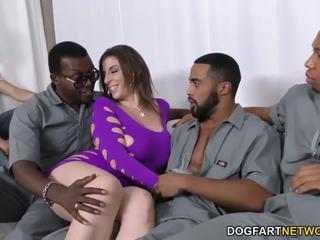 Sara jay gets ganbanged poolt mustanahaline dudes