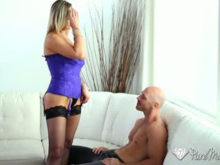 Hd puremature - milf abbey brooks licks cazzo