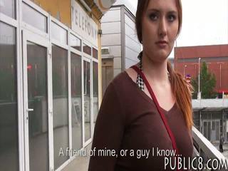 Stor pupper tjekkisk jente knullet i buss stoppe til noen penger