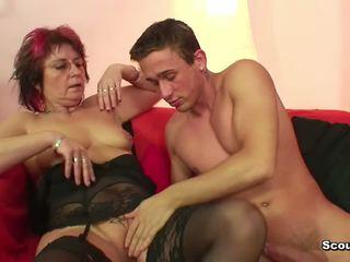 Mam in lingerie neuken hardcore jong jongen na school-