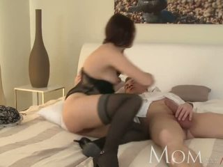 MOM Horny MILF is so grateful to finally have a man in her bed - Porn Video 001