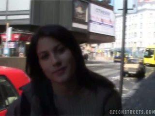 Tsjechisch streets veronika blows piemel voor cash