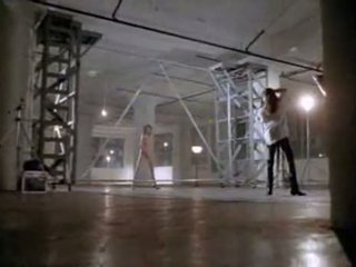 Angelina jolie in eerste seks scène