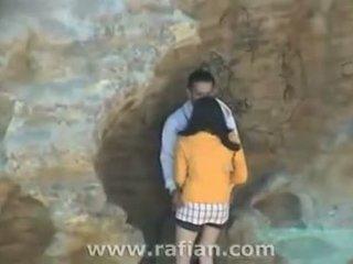Beach Cfnm Dick Sucking By A Cliff