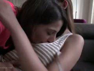 Perfektno telo špansko najstnice lezbijke s azijke