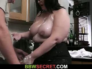 He slams her fat cunt at the kitchen