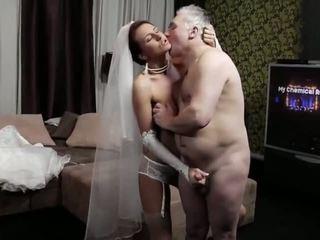 Naughty-hotties.net - vecchio uomo e un giovane sposa - porno video 661