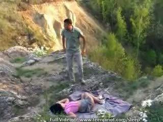 Bêbeda jovem grávida fodido em sono