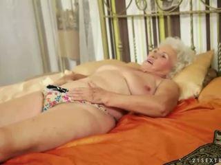 Lusty grandmas compilatie