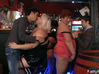 Good Bust Chunky Have Funtime In The Bar