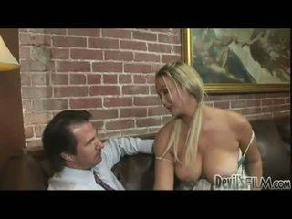 চিন্তা করেনা, মজা blondes দেখা, দেখুন বড় tits